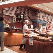 サービスエリア内のパン屋さん