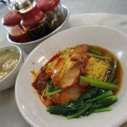 いろいろなシンガポールの味を楽しめます