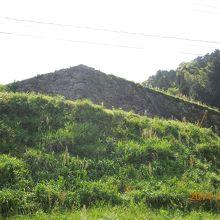 山中御殿の石垣