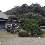 ゆったりした日本庭園