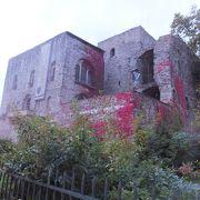 中世の古城ブレムザー城を利用