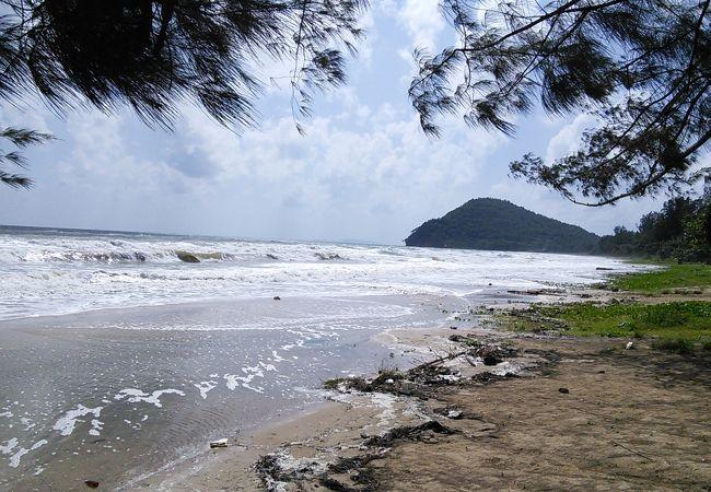 トゥンウアレーン ビーチ