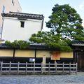 写真:伊藤仁斎宅(古義堂)跡、並びに書庫