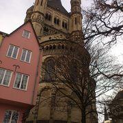 尖塔が美しい