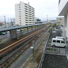 2階から稚内駅のホームを見る