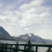 典型的なスイスの湖