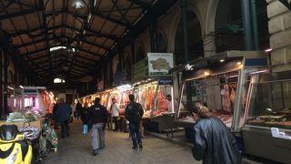中央市場 (Central Market)