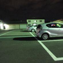広い駐車場もあいます