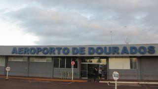 ムニシパウ デ ドウラドス空港 (DOU)