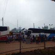 キガリからカンパラへのバス移動