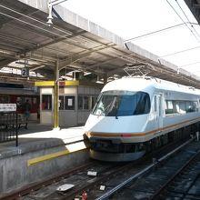 宇治山田駅で折返し待機中