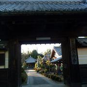 お城の城門が山門に、、