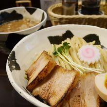 魚粉香る特製つけ麺@目黒