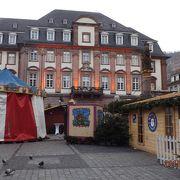 1701年街の復興の時に建てられ 、現在もなお現役で、結婚式も行われているそうです