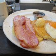 ゆっくりテラスで朝食♪