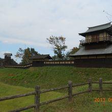 櫓、塀、そして井楼櫓