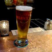 ビールは美味しい すごく込んでくるので1700ころには中に入っていたほうがよい