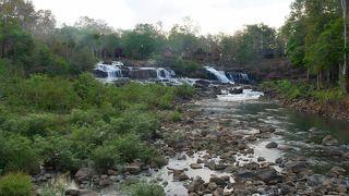 水量が少なく、水もきれいな乾季の方がきれいです