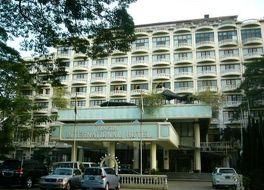 ヤンゴン インターナショナル 写真