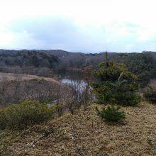 宮沢湖をのぞむ