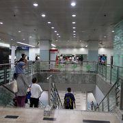 観光と買い物に便利な駅