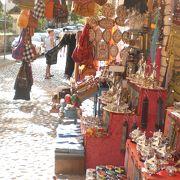 トルコによくある土産物が売られていました。