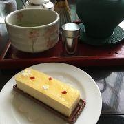 ケーキと自分でたてるお抹茶