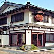 富山を代表する白ワインのようなまろやかな味の日本酒が楽しめるすばらしい酒蔵です。