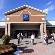 御殿場プレミアムアウトレットのGAP御殿場プレミアムアウトレット店のショッピング