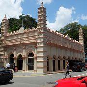 かつてはイスラム教寺院、今ではインド系ムスリムの歴史・文化を紹介するヘリテージ・センターになっています。