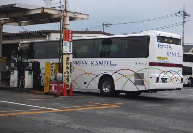4列シートの夜行高速バスです。