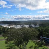 ホテル中央塔からイグアスの滝 眺望