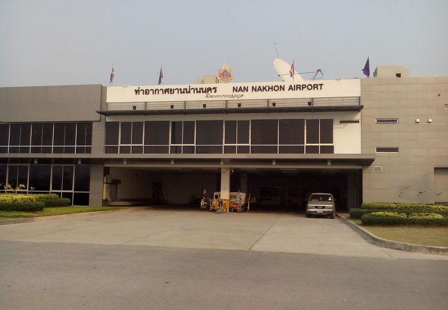 ナン空港 (NNT)