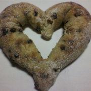 バレンタインにハートのパン