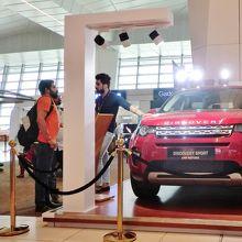 空港に展示されていた車