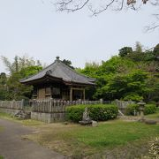 もっと丁寧に保全し、一般開放してほしい霊廟