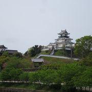 城、博物館、美術館、公園と観光スポットが詰まっている公園