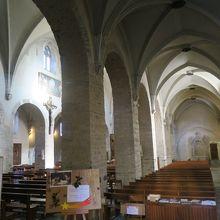 サンジャンバプティスト大聖堂の修道院