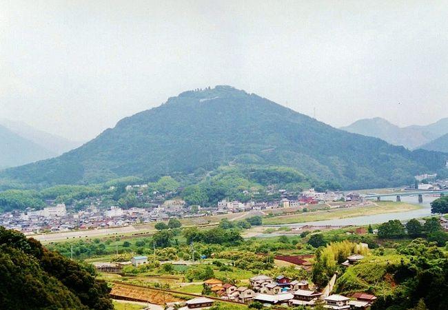 西日本有数のツツジの山の見頃が終わる!