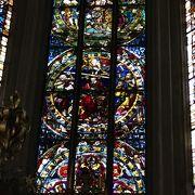 静かで落ち着いた美しい教会