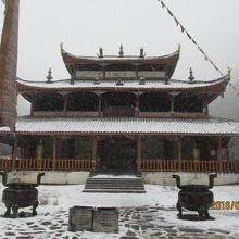 黄龍中寺、道教の観です。