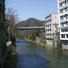 摺上川沿いの宿は眺望の良さが魅力
