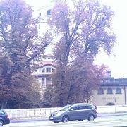 ドイツ博物館の前にあります。