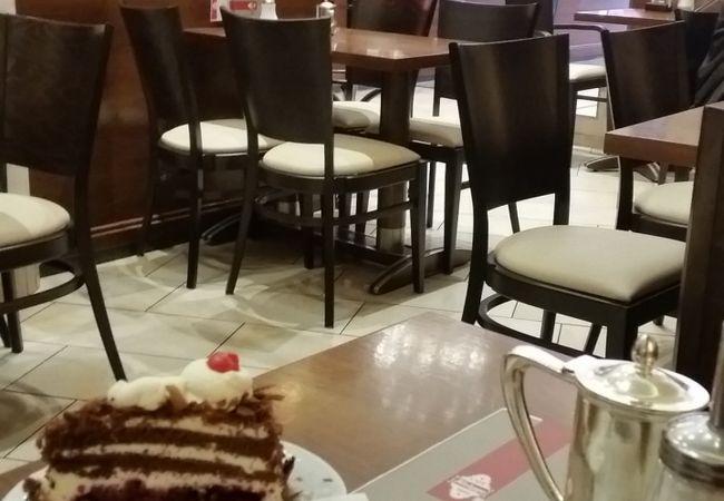カフェ クニッゲ