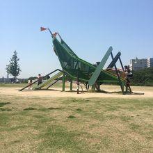 家族みんな楽しめる大きい公園。