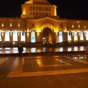 街の中心部の広場