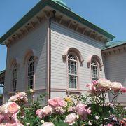 5月下旬、バラや季節の花が美しい