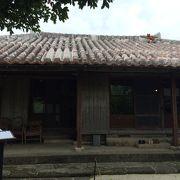 登録有形文化財(建築物)の古民家で頂く沖縄そば。