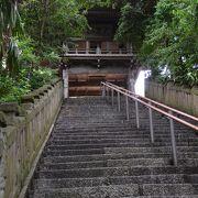 街中とは思えない静寂の中にある大鹿山長禅寺、臨済宗妙心寺派の古刹