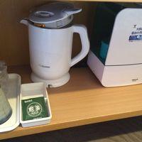 加湿器・ポットも常設されており、陶器のカップも嬉しい。